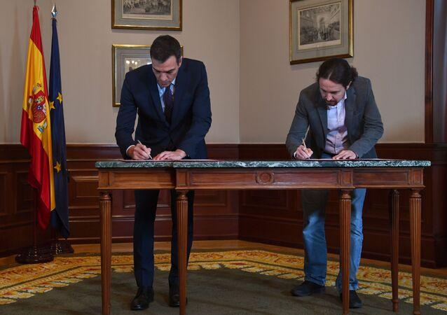 Pedro Sánchez y Pablo Iglesias firman acuerdo del Gobierno de coalición