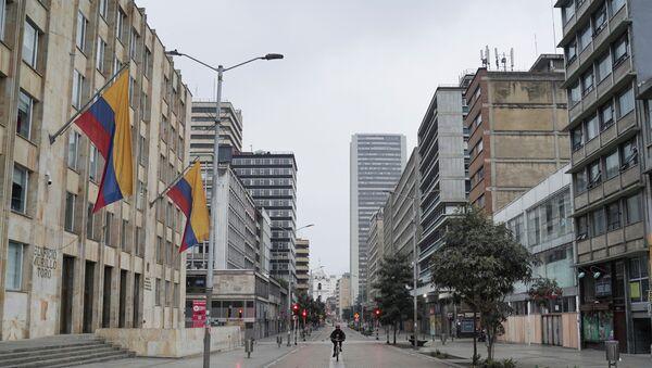 Las calles vacías de Bogotá durante la cuarentena por el coronavirus - Sputnik Mundo