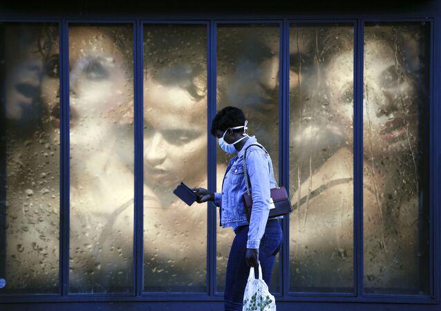 Grafitis, incendios y más lucha contra el coronavirus: así ha sido esta semana