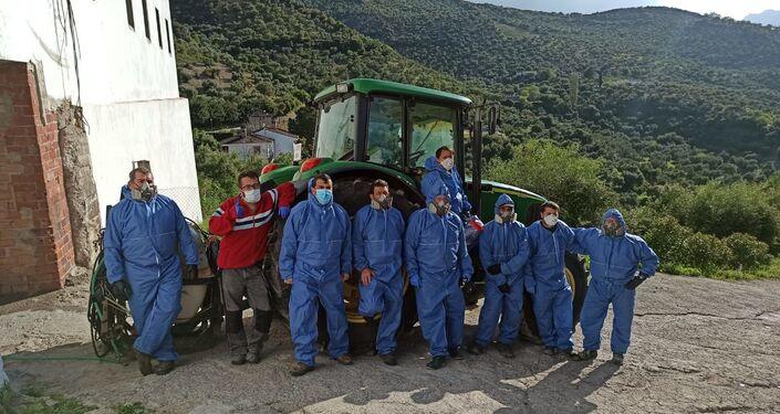 Equipo de desinfección de Zahara de la Sierra