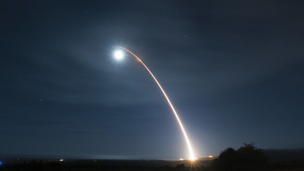 El lanzamiento de un misil balístico estadounidense  - Sputnik Mundo