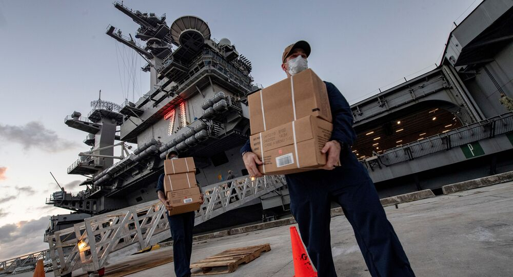El portaviones USS Theodore Roosevelt en el puerto de Guam