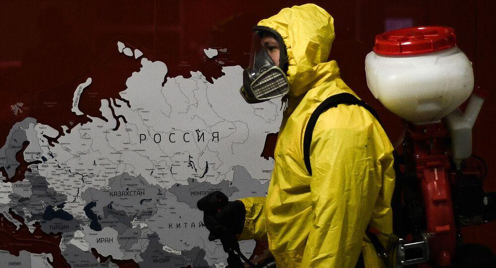 Desinfección de espacios públicos en Rusia