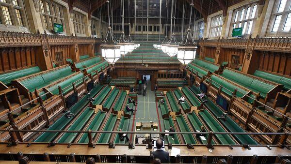 Sistema de sesiones virtuales y presenciales en el Parlamento del Reino Unido - Sputnik Mundo
