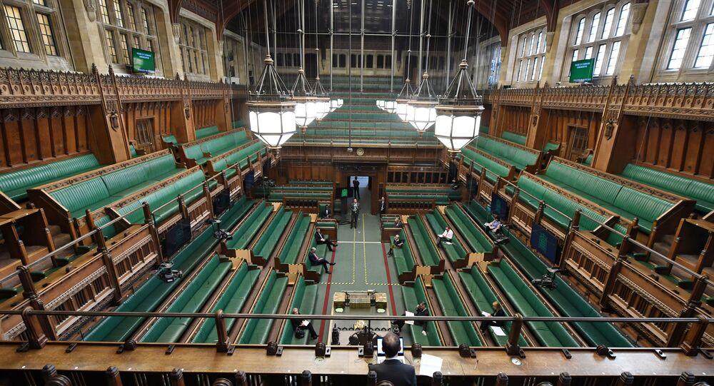 Sistema de sesiones virtuales y presenciales en el Parlamento del Reino Unido