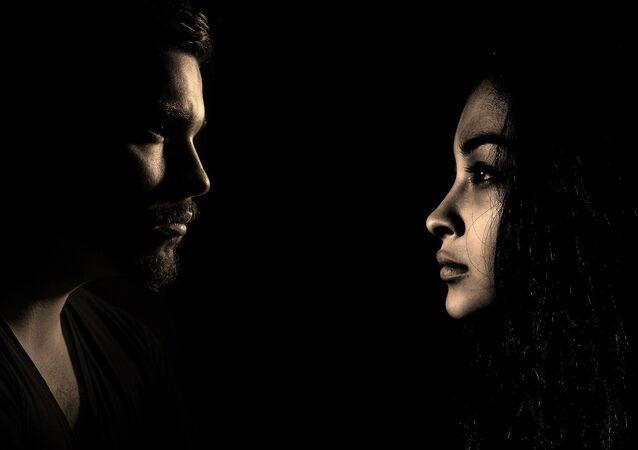 Un hombre y una mujer