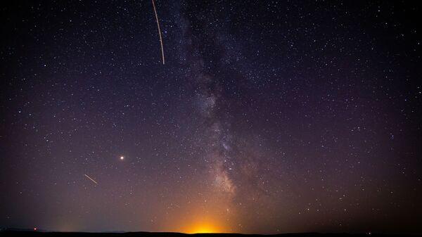 Un meteoro (imagen referencial) - Sputnik Mundo