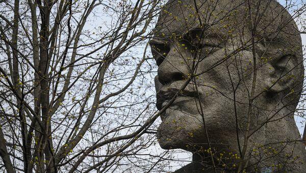 Monumento a Lenin en Moscú, Rusia - Sputnik Mundo