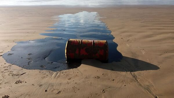 Un barril de petróleo (imagen referencial) - Sputnik Mundo
