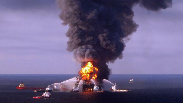 Catástrofe en la plataforma Deepwater Horizon de British Petroleum (BP) - Sputnik Mundo