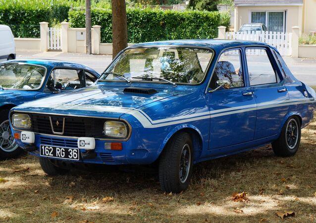 Un Renault 12