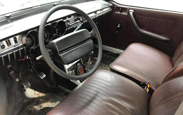 El interior del Renault 12 eléctrico - Sputnik Mundo