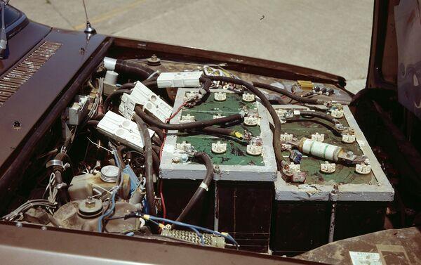 El motor eléctrico del EVO Metro hecho de Renault 12 - Sputnik Mundo