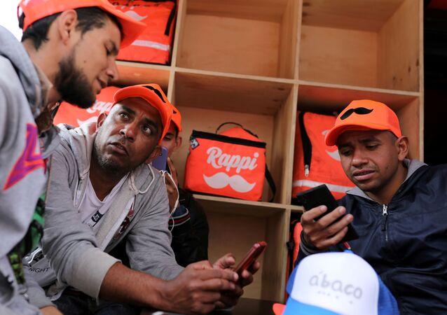 Trabajadores de la aplicación colombiana de repartos Rappi