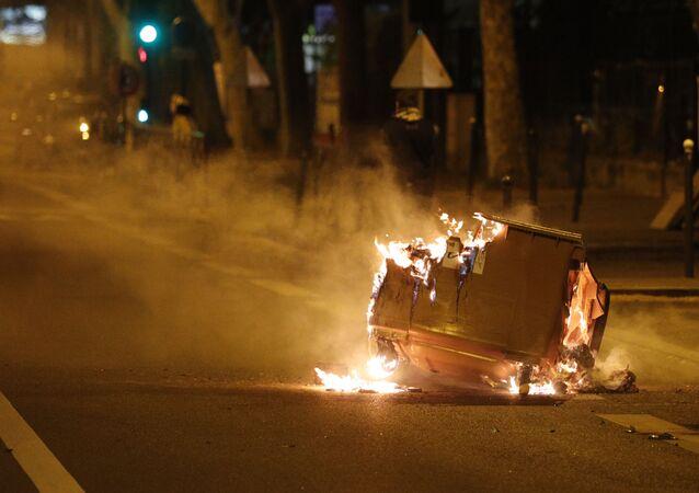 Disturbios en Villeneuve-la-Garenne, suburbios de Paris, Francia