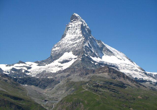El monte Cervino de los Alpes