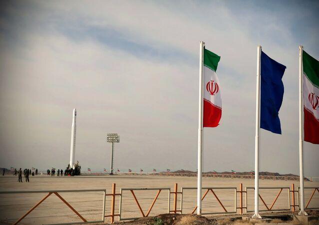 Lanzamiento del satélite militar Noor de Irán
