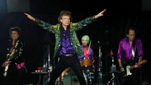 Los Rolling Stones durante un concierto en Californa, el agosto de 2019 - Sputnik Mundo