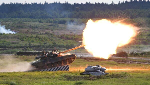 Un tanque T-90 en una exhibición el forum ARMY 2019 - Sputnik Mundo
