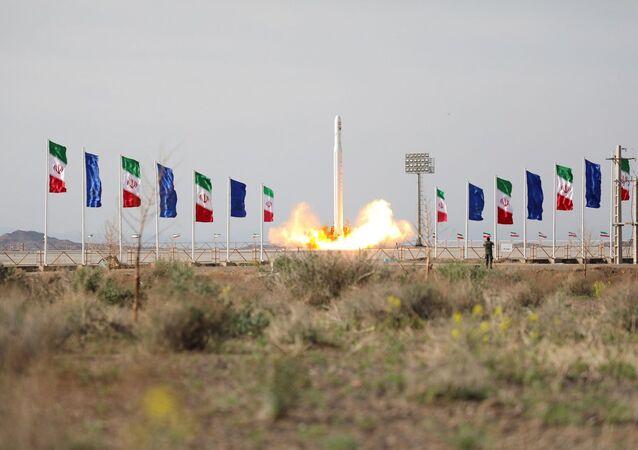 Lanzamiento del satélite militar iraní