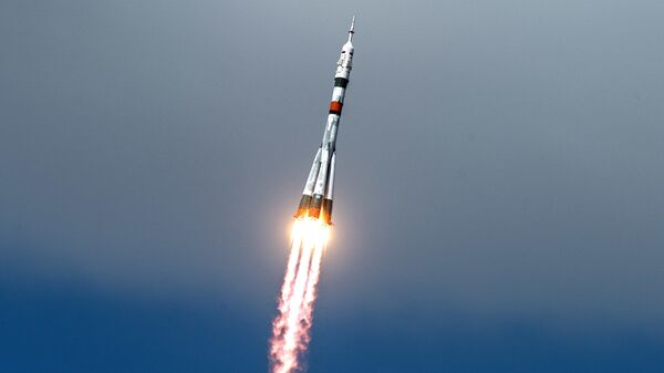 Lanzamiento del cohete portador Soyuz-2.1a (imagen referencial) - Sputnik Mundo
