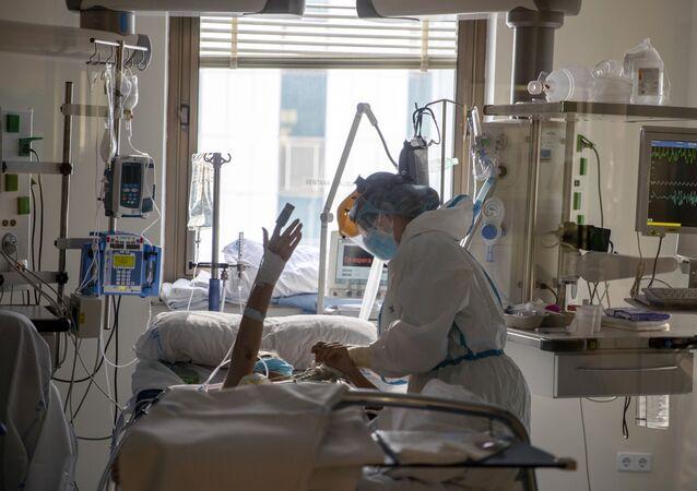 Paciente con coronavirus en el hospital Ramon y Cajal de Madrid (España)