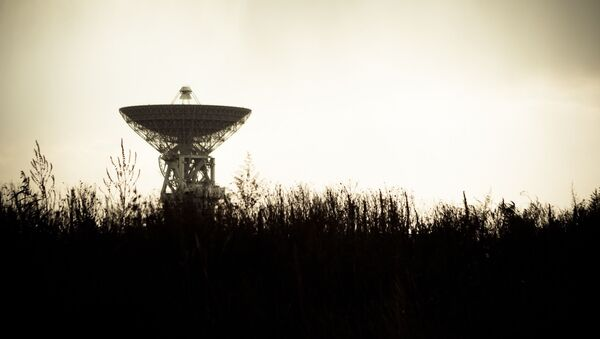 Una antena de un radiotelescopio (imagen referencial) - Sputnik Mundo
