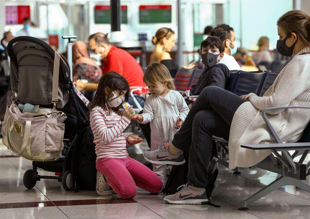 Pasajeros de un aeropuerto