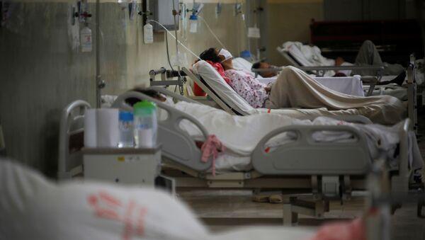 Pacientes con coronavirus en Perú - Sputnik Mundo