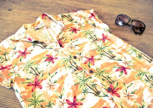 Camisa típica Hawaii