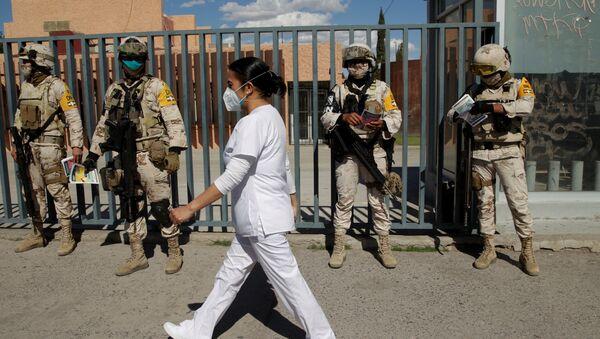 Enfermera en la Ciudad Juárez furante la pandemia de COVID-19 - Sputnik Mundo