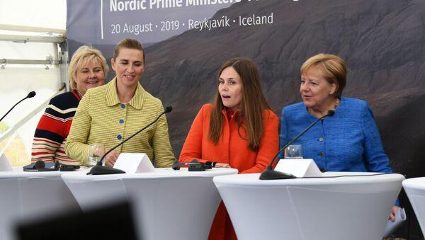 La primera ministra de Noruega, Dinamarca, Islandia y de Alemania en una rueda de prensa - Sputnik Mundo
