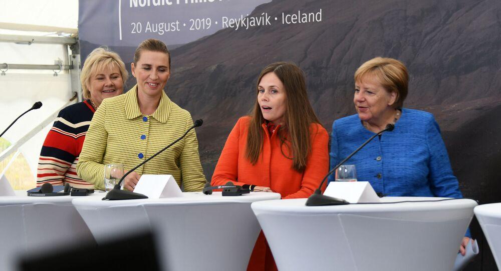 La primera ministra de Noruega, de Dinamarca, de Islandia y de Alemania en una rueda de prensa