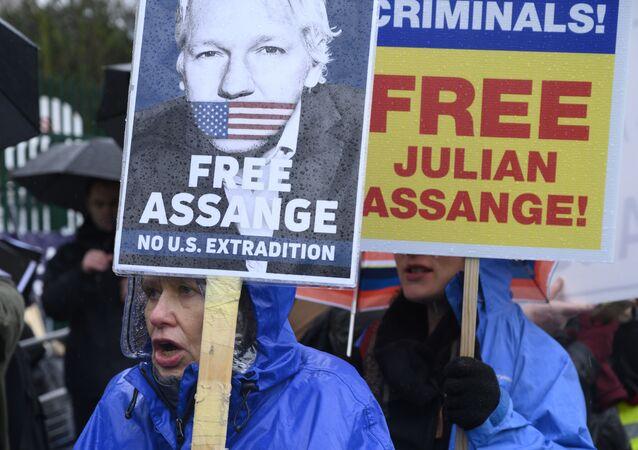 Una protesta contra la extradición de Julian Assange en Londres