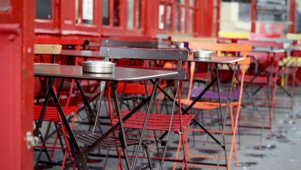 Un restaurante al aire libre - Sputnik Mundo