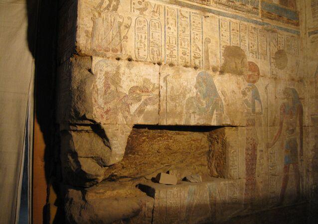 Parte del templo de Osiris y Opet (archivo)