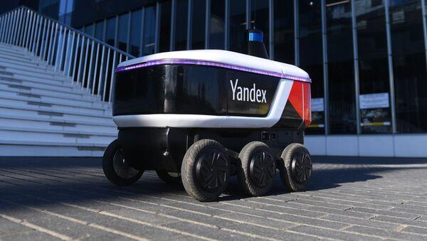 Yandex Rover, el robot ruso que hace entregas - Sputnik Mundo