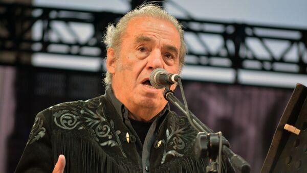 Óscar Chávez, cantante, actor y compositor mexicano - Sputnik Mundo