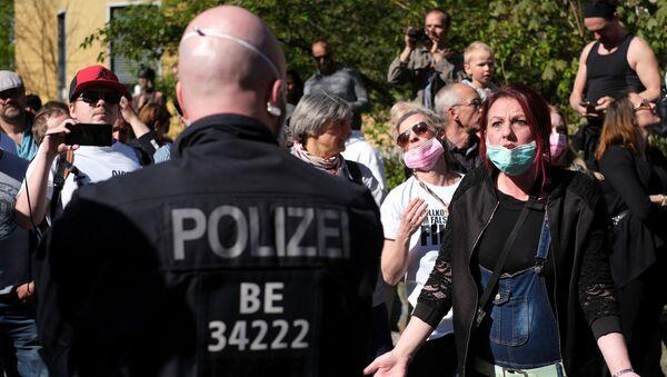 Una protesta en Berlín - Sputnik Mundo