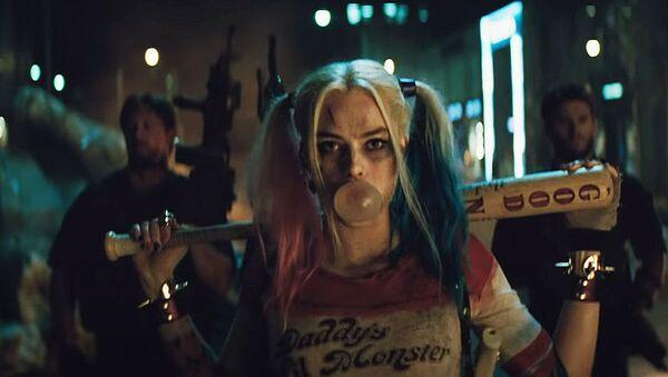 La villana Harley Quinn, interpretada por Margot Robbie - Sputnik Mundo