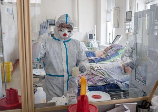 Un hospital con pacientes con coronavirus en Rusia