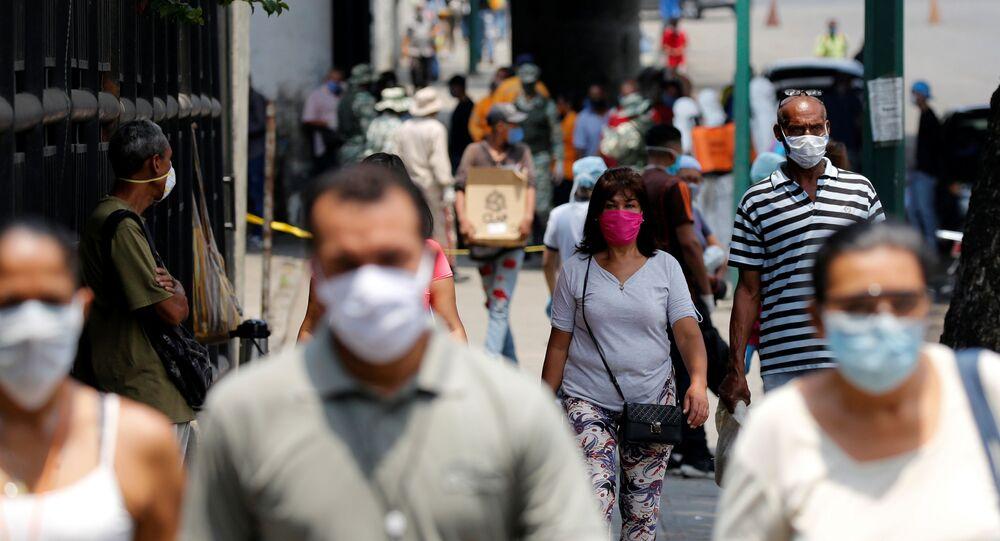 Personas en las calles de Caracas, Venezuela