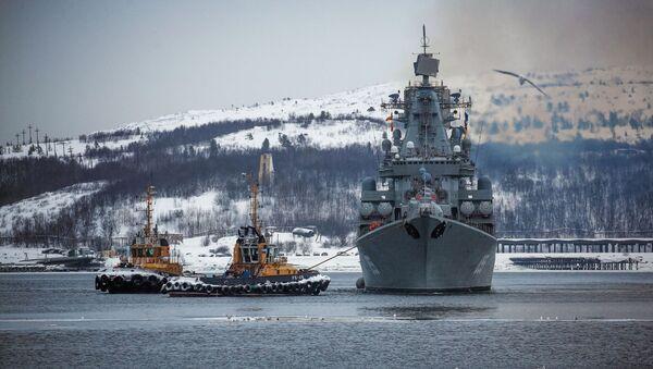 El crucero de misiles Mariscal Ustinov de la Flota del Norte de Rusia - Sputnik Mundo