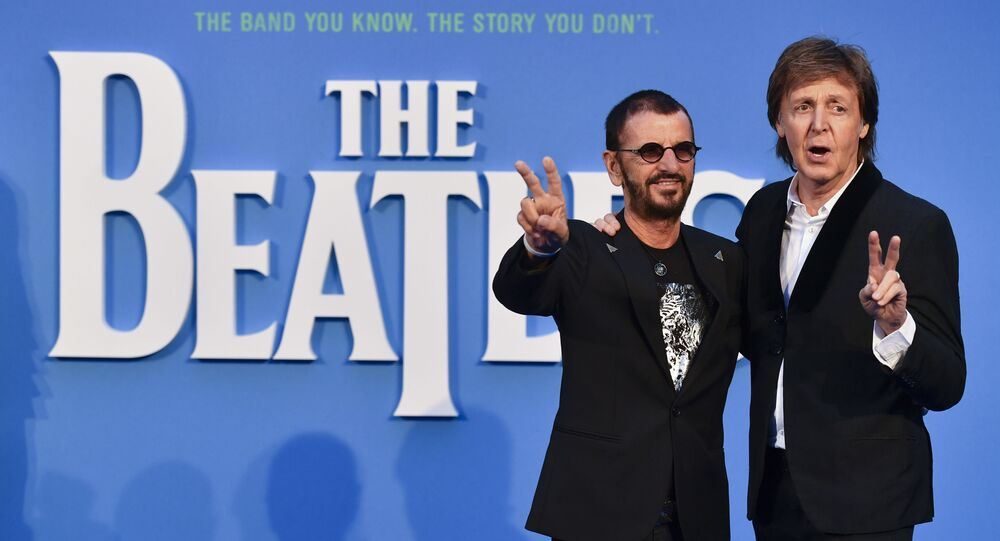 Los miembros de los Beatles, Paul McCartney y Ringo Starr