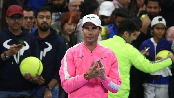 Rafa Nadal durante la inauguración de su academia de tenis en Kuwait - Sputnik Mundo