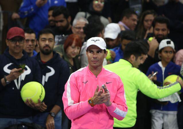 Rafa Nadal durante la inauguración de su academia de tenis en Kuwait