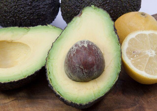 Aguacates y limones (imagen referencial)