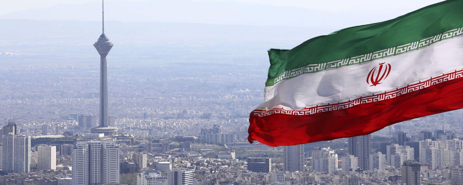 La bandera de Irán en la ciudad de Teherán - Sputnik Mundo, 1920, 23.06.2021