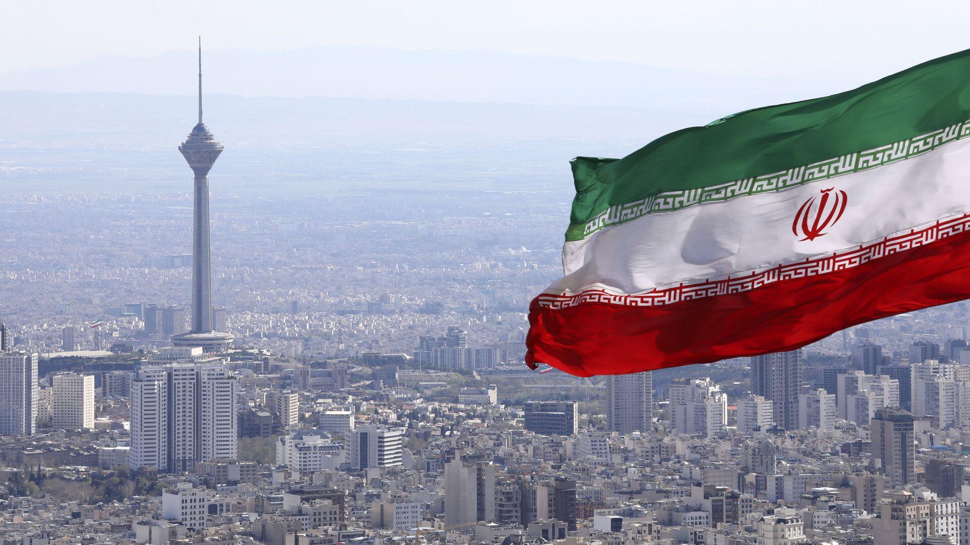 La bandera de Irán en la ciudad de Teherán - Sputnik Mundo, 1920, 15.02.2021