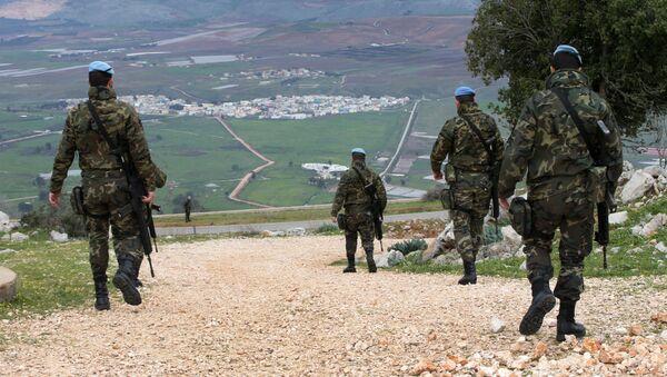 Unos soldados de la FPNUL, la misión de paz de la ONU en Líbano (archivo) - Sputnik Mundo